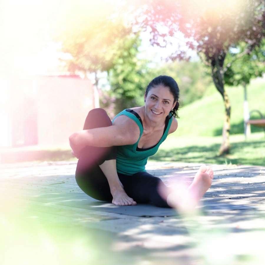 postura yoga primavara